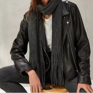 NWT Lucky Brand 🍀 super soft charcoal scarf